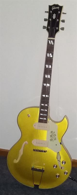 All gold Gibson ES295