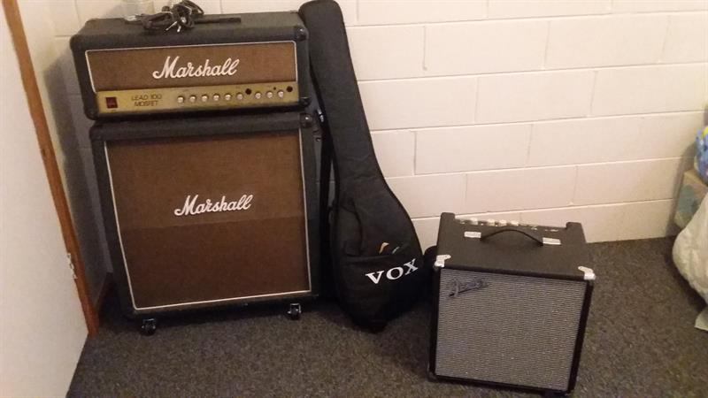 Marshall MOSFET Lead 100 & Fender Rumble 25